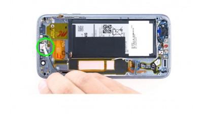 Как заменить слуховой динамик Samsung Galaxy S7 Edge