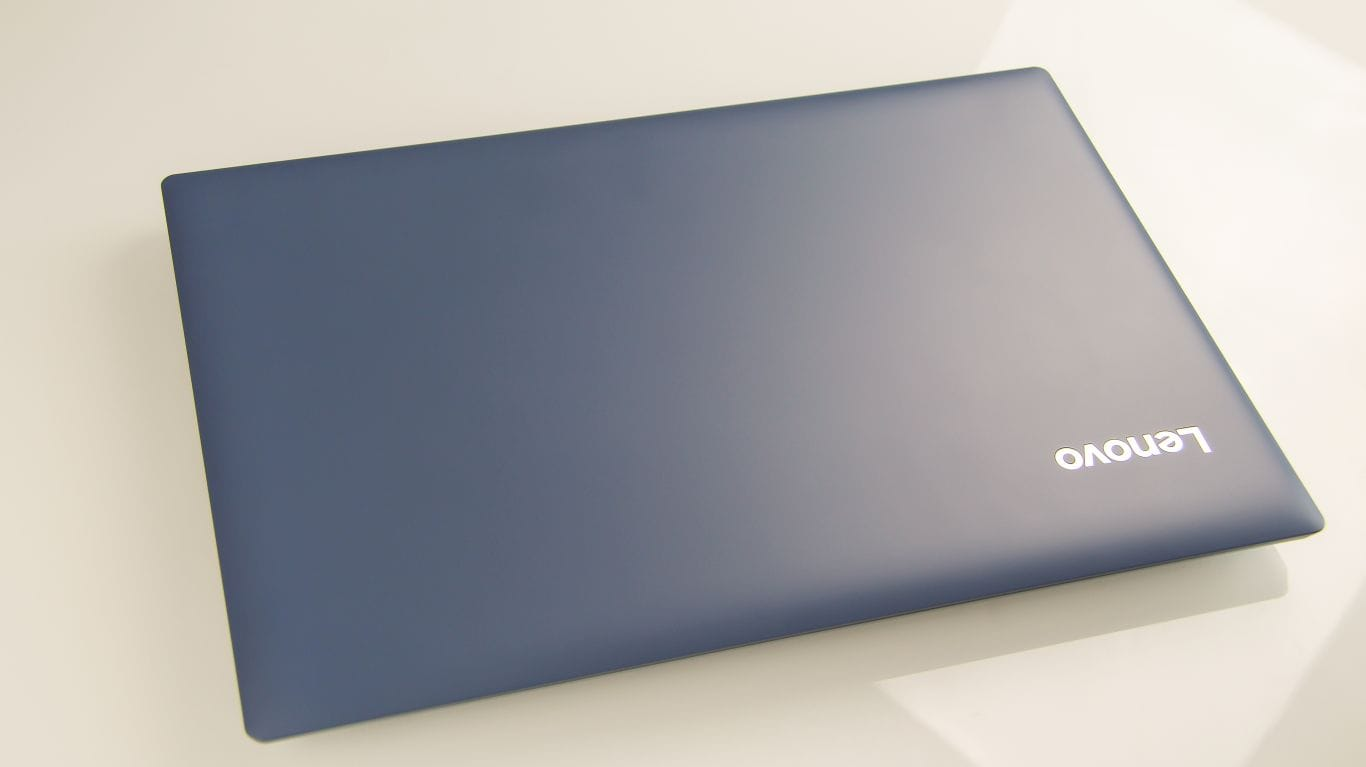 внешний вид Lenovo IdeaPad 320-15ISK